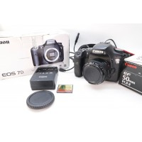 Canon EOS 7D 18.0MP & 50mm f/1.8 II lens Digital SLR Camera