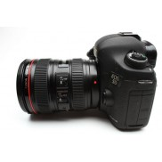 Canon EOS 5D Mark III 22.3MP 24-105mm f4 L IS Lens