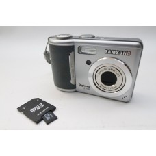 Samsung Digimax S720 7 MP Digital Camera